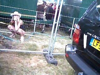 festival piss voyeur (with smartphone)